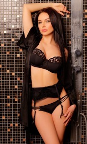 Morena, Escorts.cm call girl, GFE Escorts.cm – GirlFriend Experience